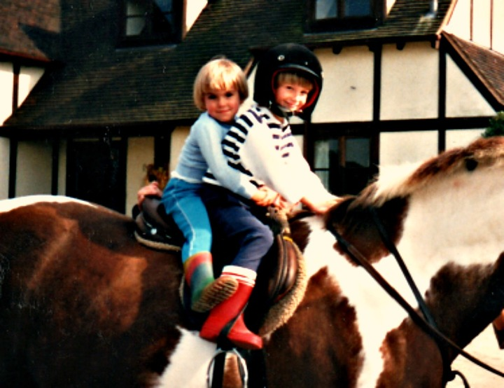 sk1990horse1