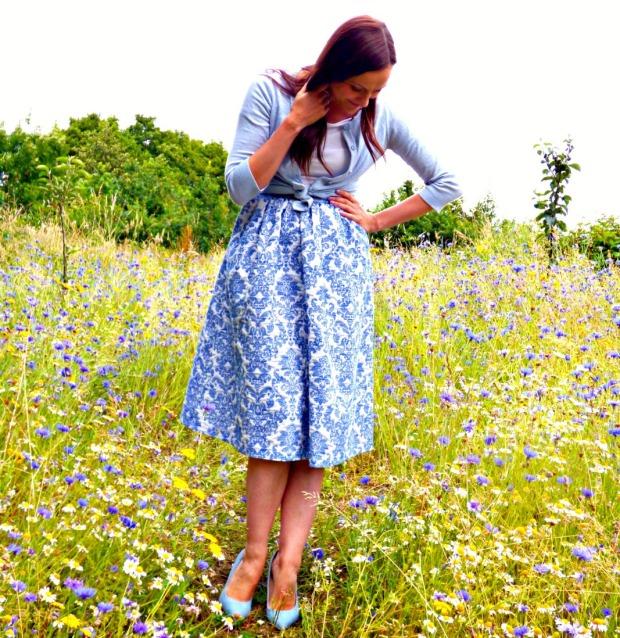 blue-white-2