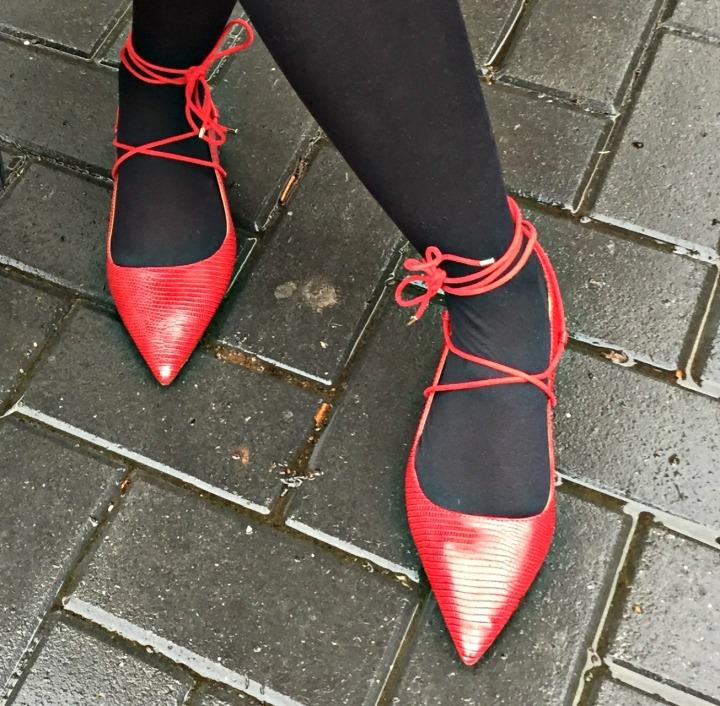Black White Red 4