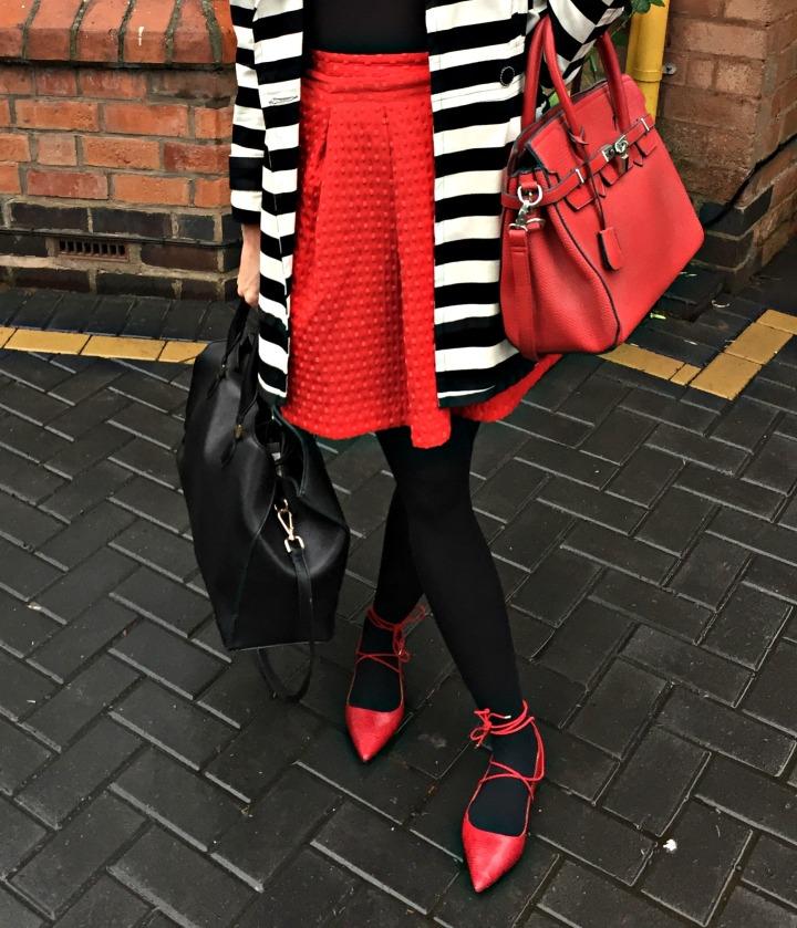Black White Red 7