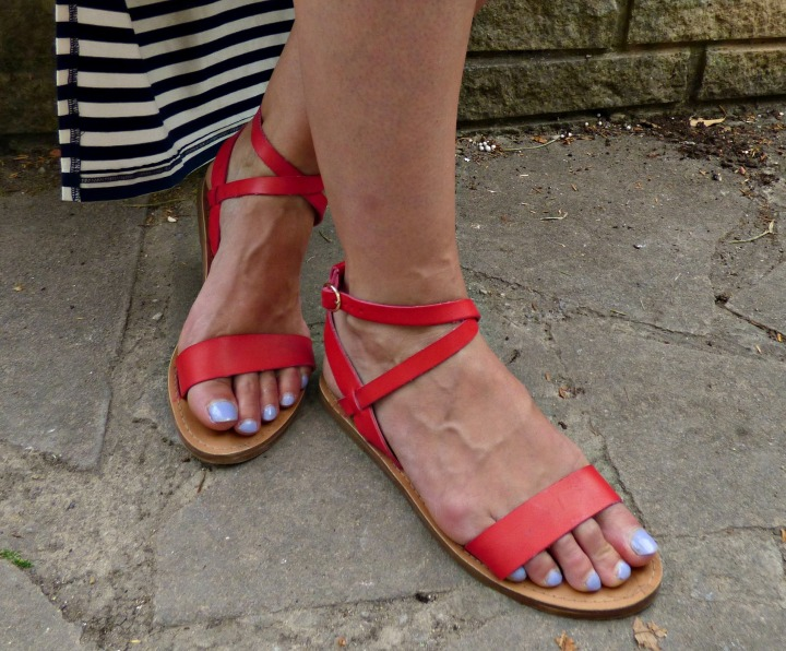 Stripes Red 8